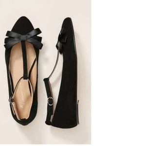 ANTHROPOLOGIE T-STRAP BOW FLATS new